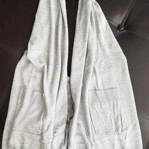 fine knitted haulter neck open back style vest
